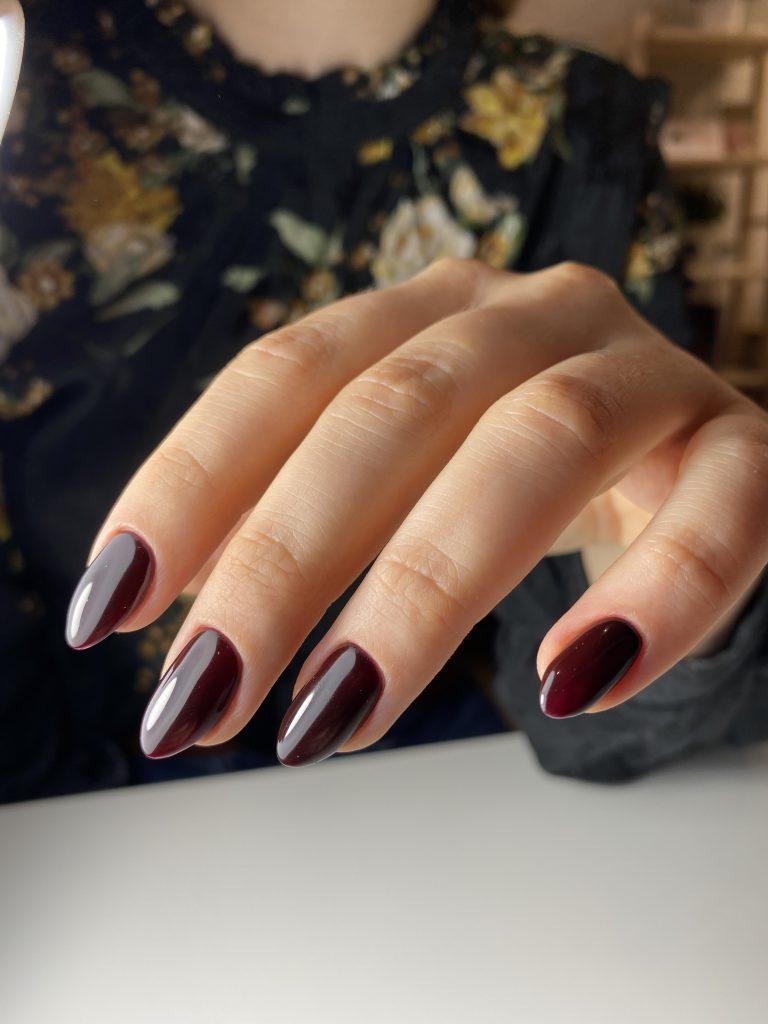 manicure hybrydowy pod skórki