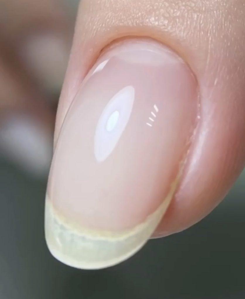 manicure pod skórki - manicure kombinowany