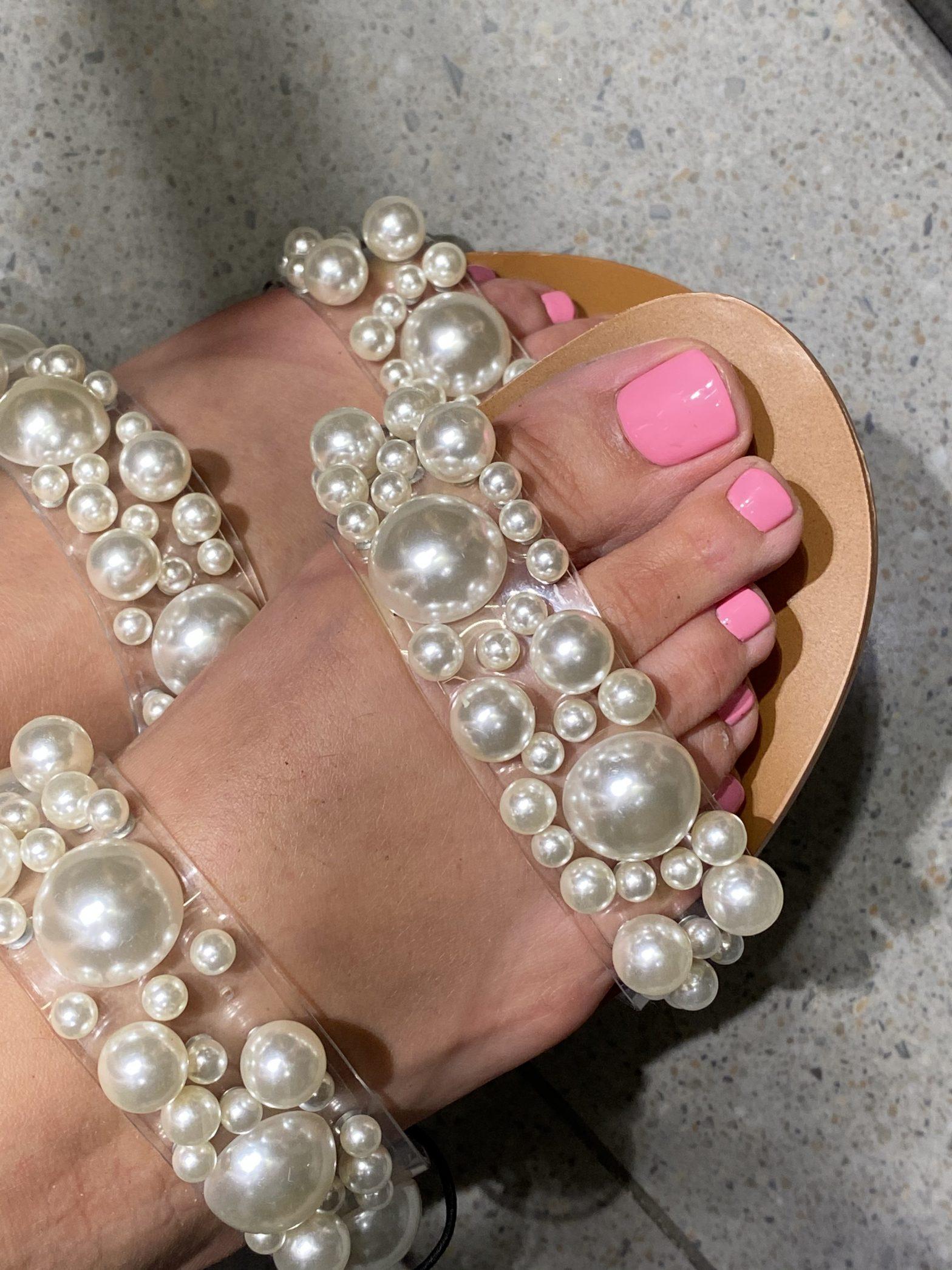 hybryda na stopach chic nails